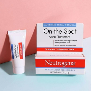 Gel trị mụn Neutrogena On The Spot Acne Treatment