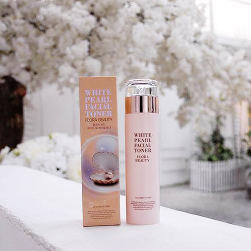 Nước hoa hồng trắng sáng da ngọc trai Flora Beauty White Pearl Facial Toner